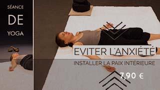 Séance de yoga pour éviter l'anxiété & installer la paix intérieure (avec un mini yoga-nidra)