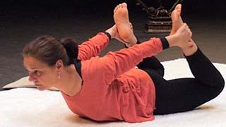 Cours de yoga en ligne pour stimuler manipura chakra, le centre d'énergie du ventre (notre second cerveau), booster la vitalité